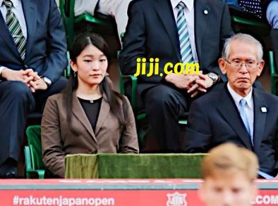 楽天ジャパン・オープンで、シングルス決勝を観戦される秋篠宮眞子さま