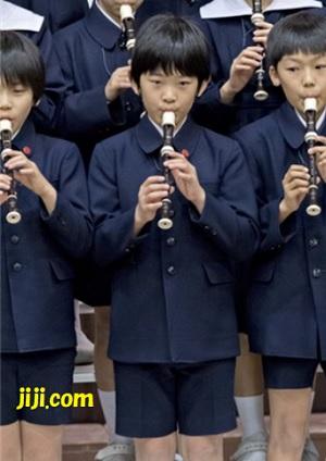 お茶の水女子大付属小の音楽会に参加された秋篠宮ご夫妻の長男悠仁さま