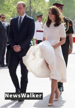 スカートのめくりあがったキャサリン妃と頭の禿げたウイリアム王子