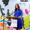 英キャサリン妃、ブルーのマタニティワンピース姿で公務