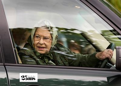 車を運転するエリザベス女王