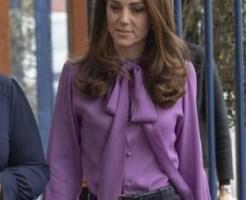 グッチのシャツを前後反対にち着用しているキャサリン妃
