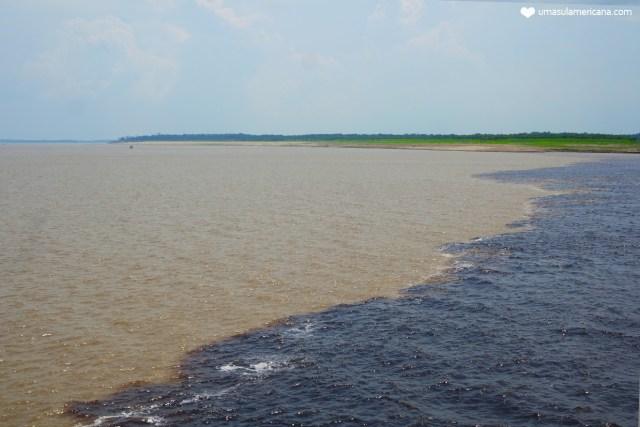 Travessia de barco de Tabatinga a Manaus