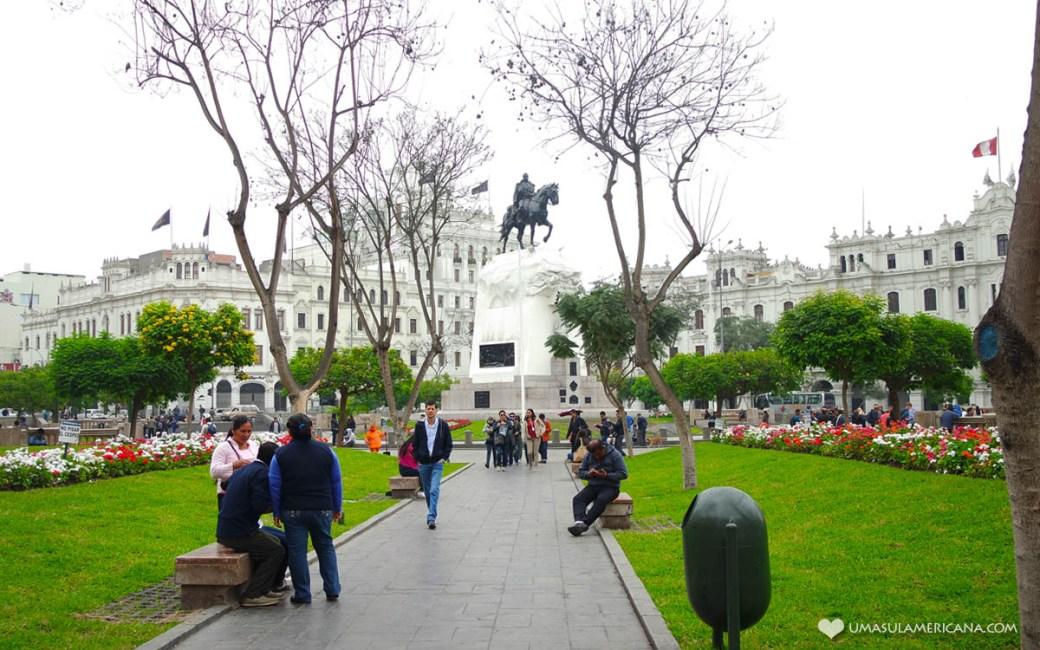Plaza san Matín de Lima - Um dia em Lima - Roteiro pelo centro histórico