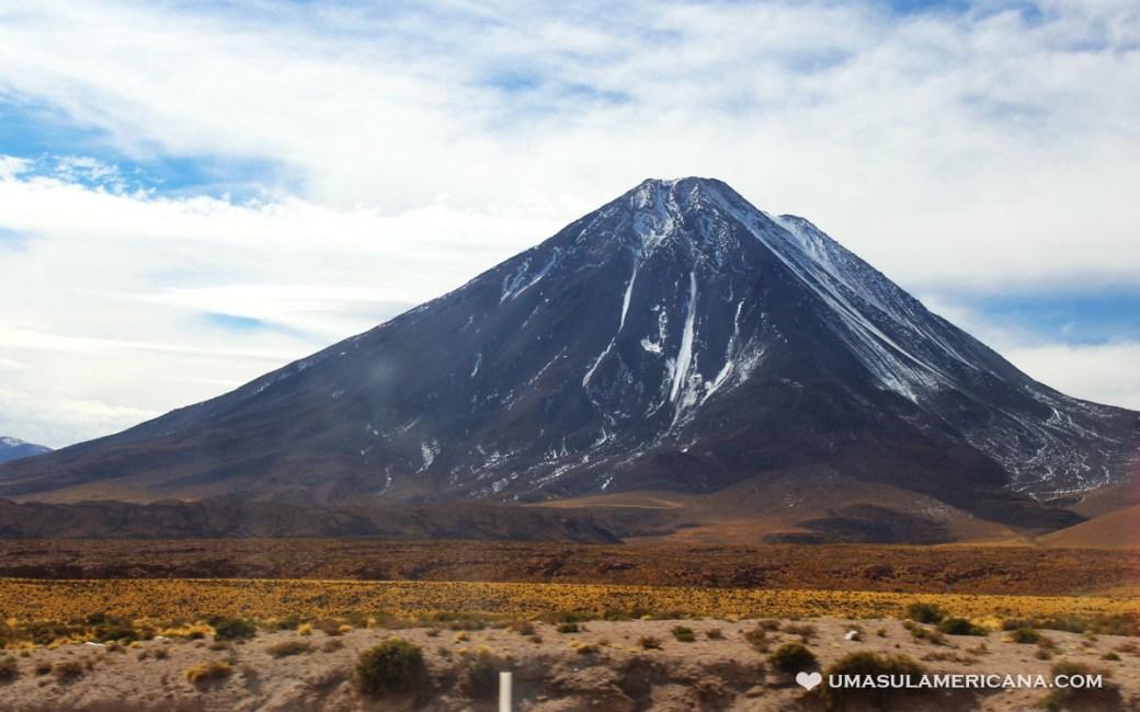 Vulcão Licancabur - Quanto custa conhecer o Deserto do Atacama
