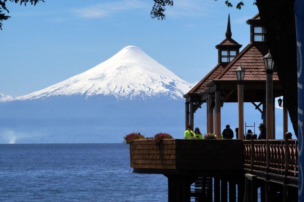 Frutillar na Região dos Lagos, um dos roteiros pra combinar Argentina e Chile na mesma viagem