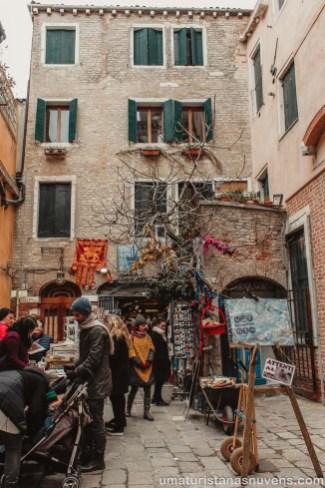 Livraria Acqua Alta em Veneza - Itália