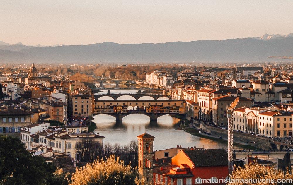 Vista panorâmica - Praça Michelangelo em Florença - Ponte Vecchio
