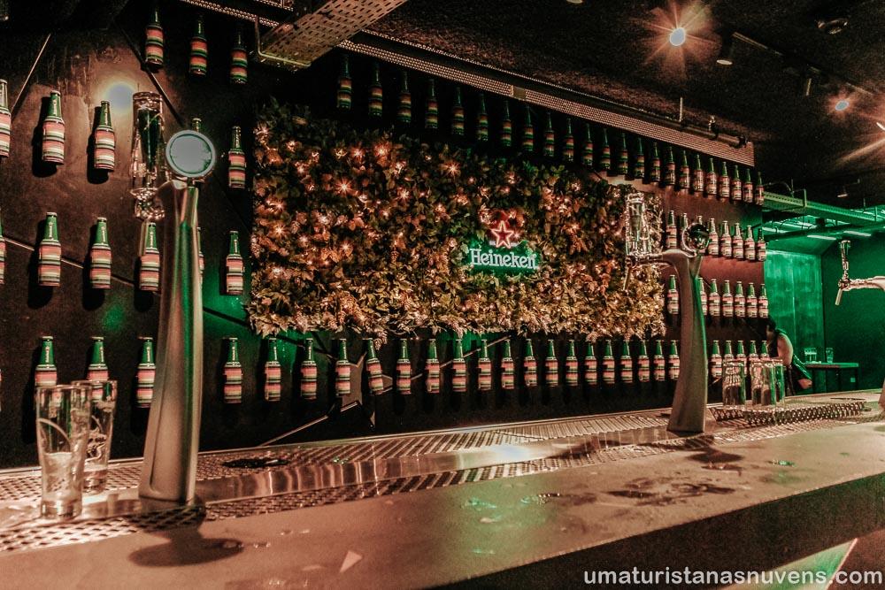 Bar da Heineken Experience em Amsterdam