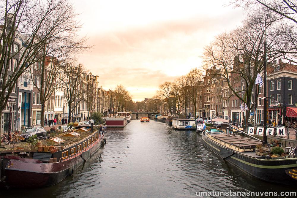 Houseboat museum no bairro Jordaan em Amsterdam