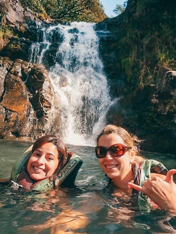 Waimea Falls em Oahu - Havaí