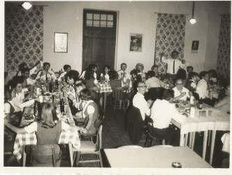 Jantar após apresentação em Santa Cruz. Novembro de 1966