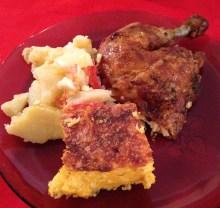 Salada de batata, Frango assado e Chipa Guasu