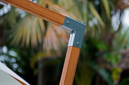 Levante Sidewind Angle Bracket