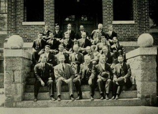 faculty-from-1911-reveille