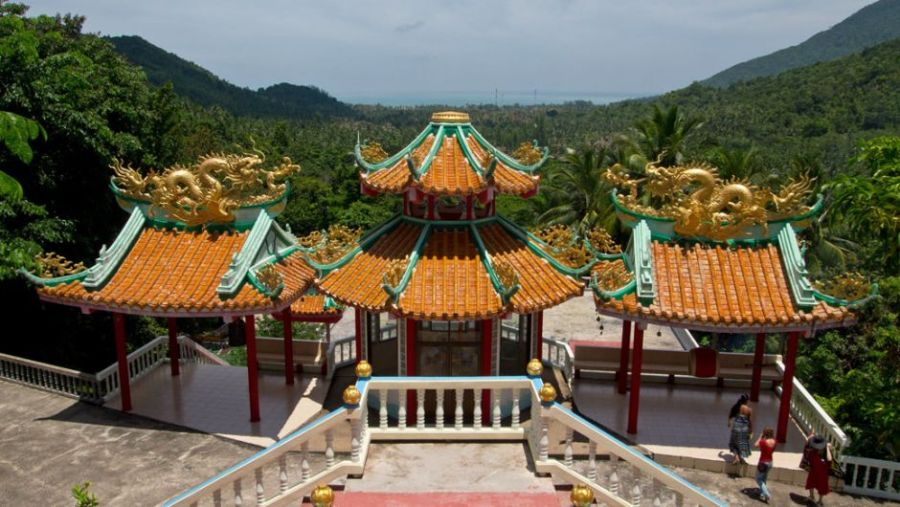 Koh Phangan - Chinesischer Tempel home is where your bag is