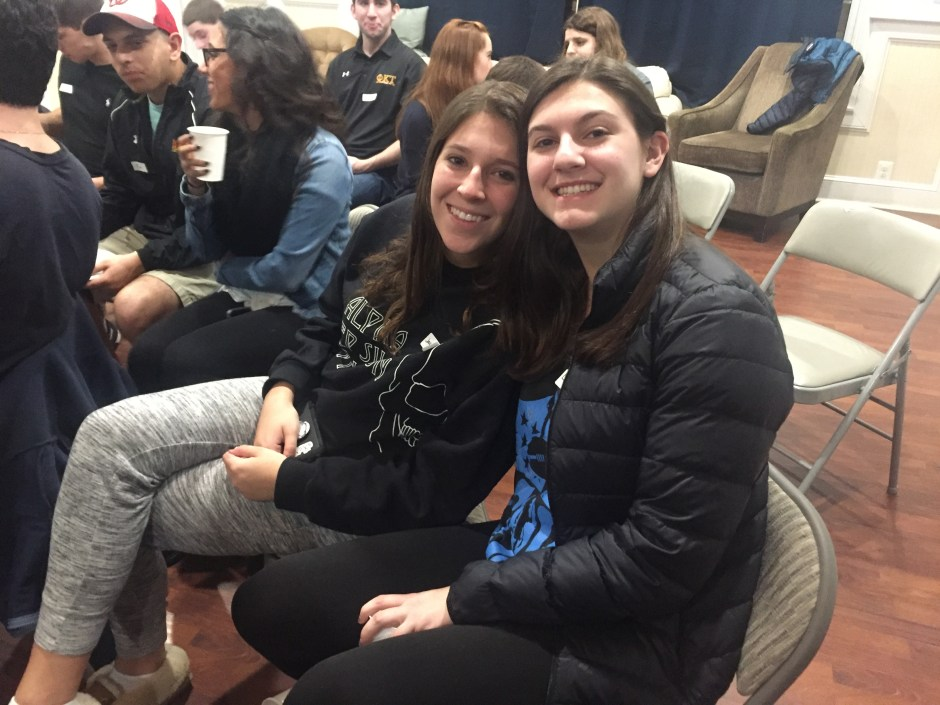 Sophomores Lindsey Strauss and Jacqueline Davis at the MEOR Maimonides Leaders Program orientation. Georgia Slater/The Mitzpeh