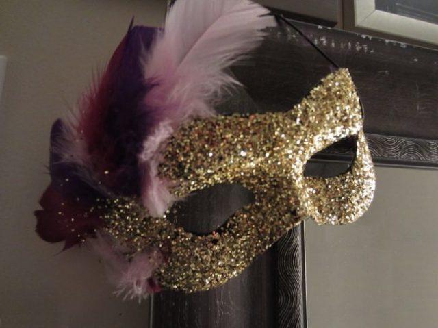 um-doce-dia-mascara-carnaval-01