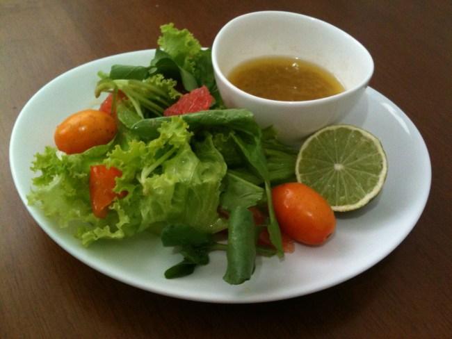 um-doce-dia-mix-folhas-grapefruit-seriguela-dijon-02
