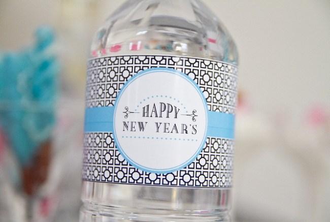um-doce-dia-feliz-ano-novo-diferente-azul-branco-pink-04