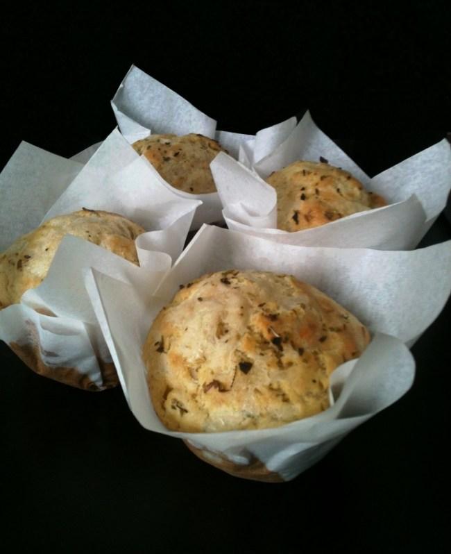um-doce-dia-muffins-de-queijo-com-ervas-01