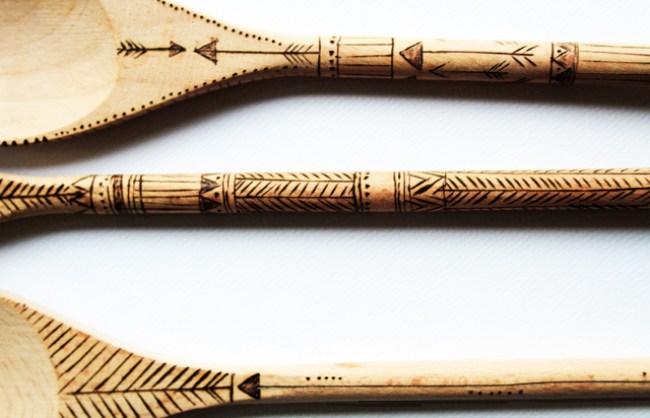 um-doce-dia-colheres-madeira-decoradas-pirografo-04