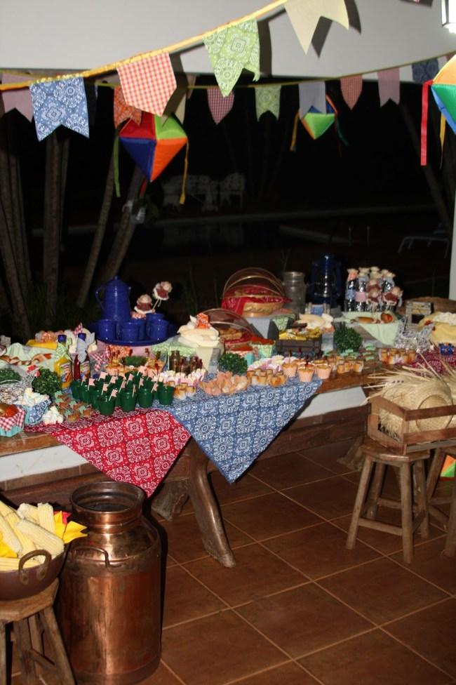 um-doce-dia-festa-junina-caseira-02