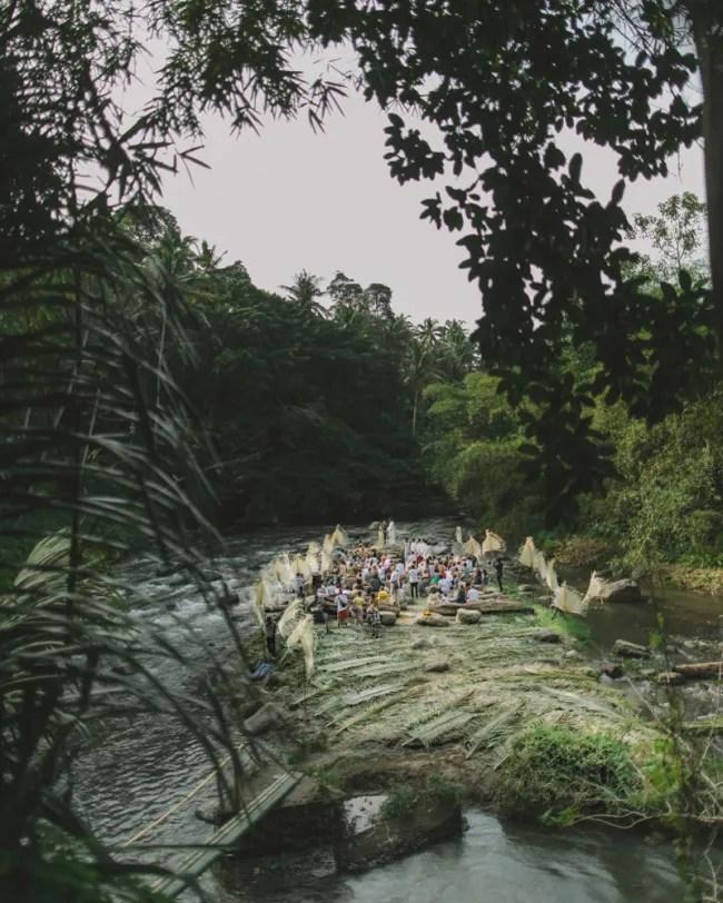 um-doce-dia-casamento-em-bali-indonesia-banyan-22