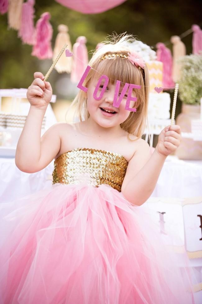 um-doce-dia-rosa-e-ouro-para-cha-de-panelas-11