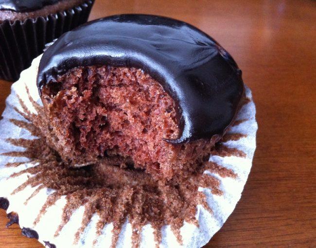 um-doce-dia-cupcake-de-chocolate-vegano-e-livre-de-lactose-03