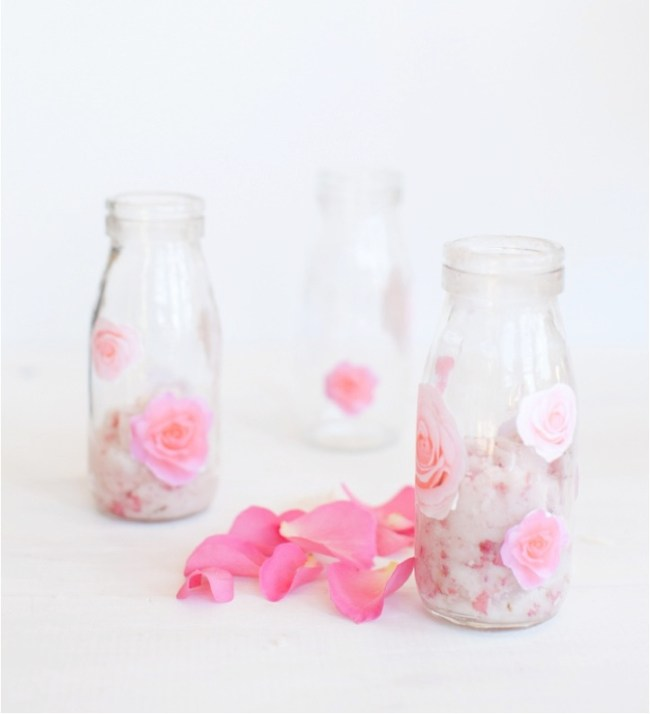 um-doce-dia-esfoliantes-de-rosas-com-hidratante-de-coco-03