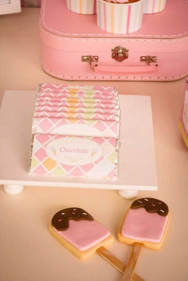 um-doce-dia-festa-um-pouco-de-sorvete-cor-de-rosa-05