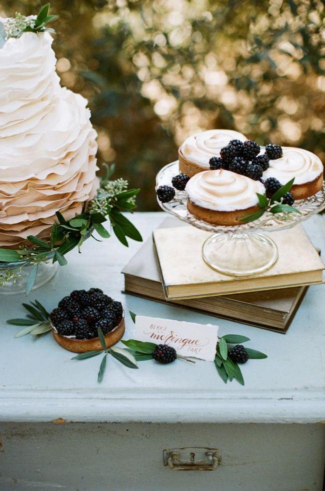 um-doce-dia-casamento-os-tons-das-uvas-maduras-12