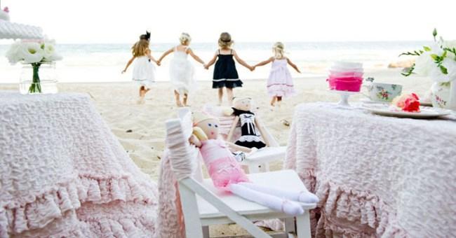 um-doce-dia-um-cha-da-tarde-para-meninas-na-praia-15