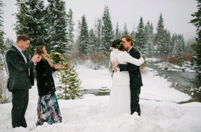 um-doce-dia-casamento-em-um-mundo-polvilhado-de-neve-06
