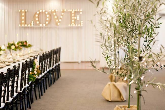 um-doce-dia-casamento-entre-rosas-olivas-e-alecrim-12