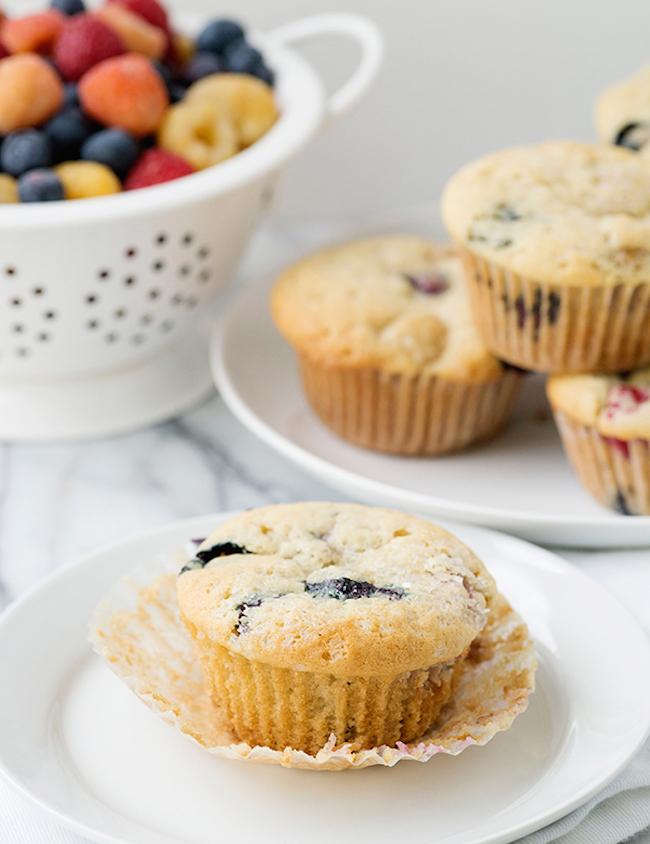 um-doce-dia-receita-muffins-veganos-de-baunilha-e-frutas-vermelhas-01