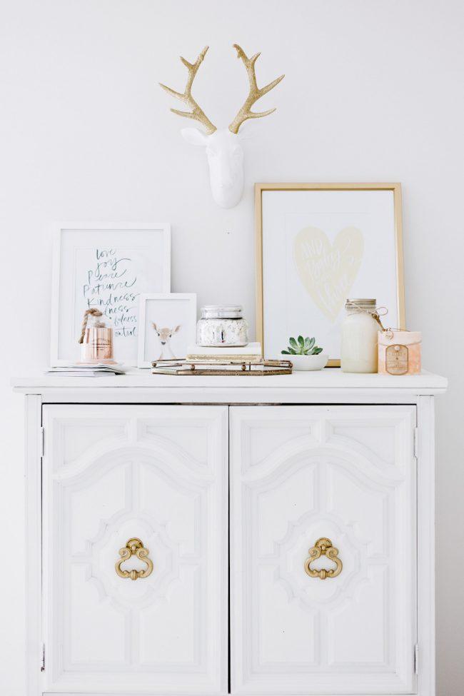 um-doce-dia-decoracao-quarto-de-bebe-branco-celestial-01