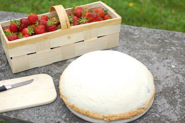 um-doce-dia-receita-bolo-merengue-de-morangos-02