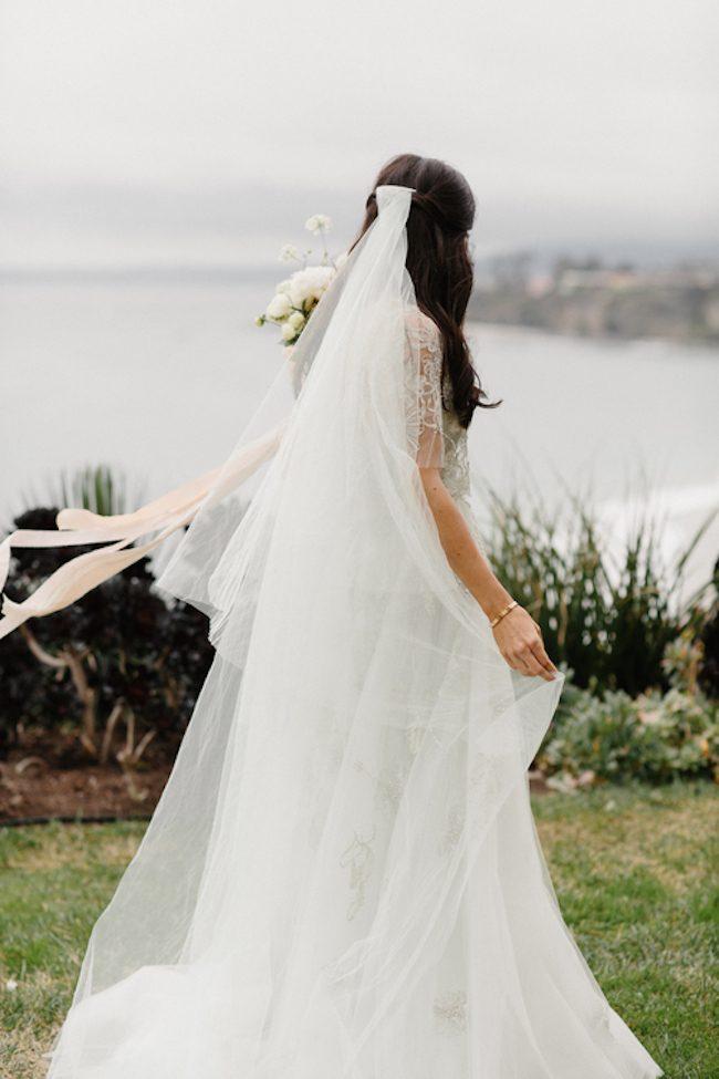 um-doce-dia-casamento-floral-acinzentado-08