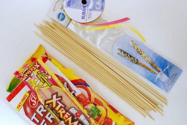 um-doce-dia-festa-aniversario-aloha-verao-diy-espetinho-de-doce-02