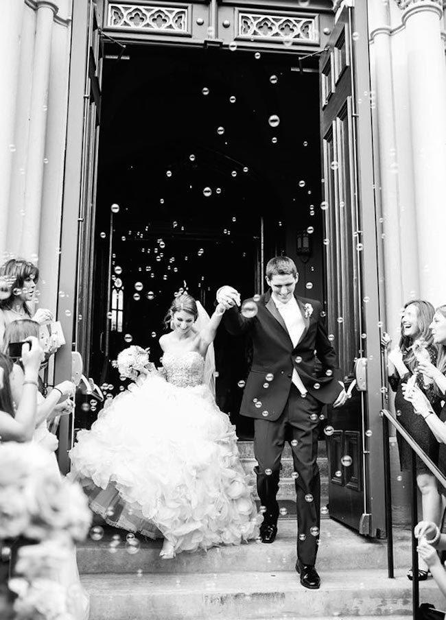 um-doce-dia-casamento-era-uma-vez-o-arroz-fotografia-oana-sweeney-bolhas-de-sabao-01