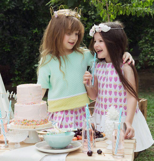 um-doce-dia-infantil-meninas-inspiracao-um-lunatico-cha-da-tarde-festa-dos-chapeus-03