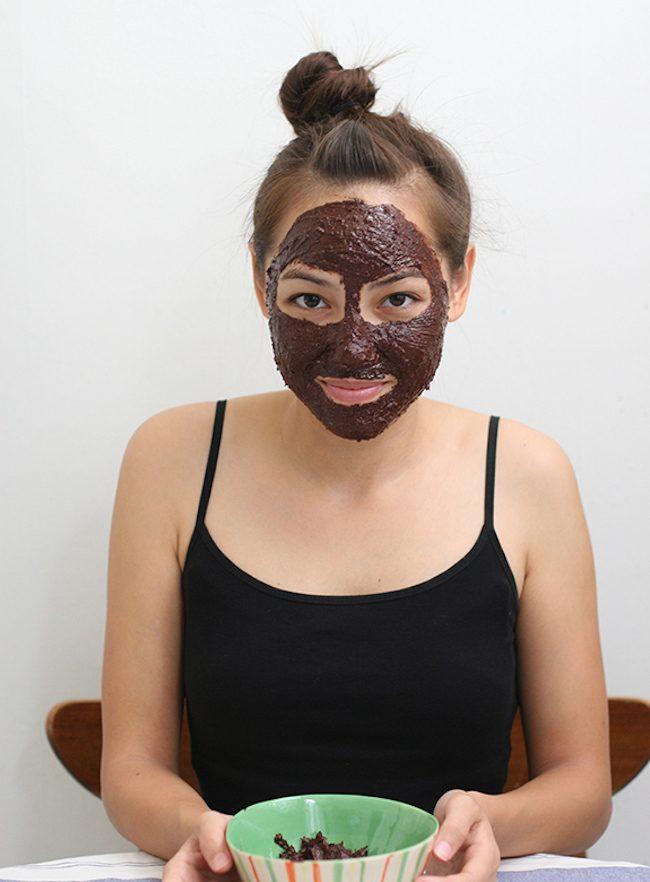 um-doce-dia-mascara-facial-de-chocolate-01