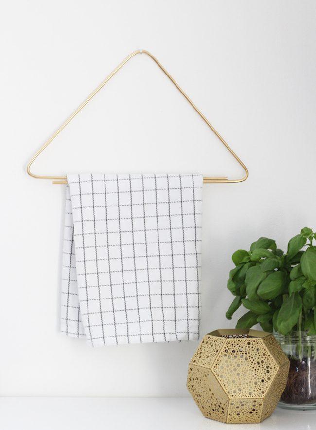 um-doce-dia-diy-cabideiro-para-toalhas-01
