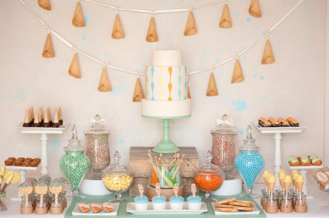 um-doce-dia-festa-inspiracao-aniversario-tematico-sorvete-de-baunilha-01