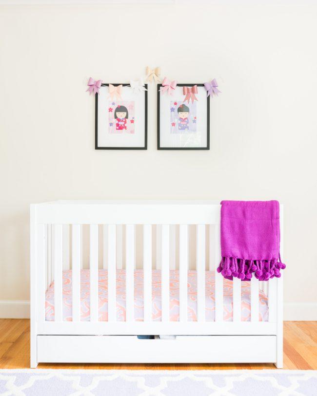 um-doce-dia-decoracao-quarto-de-bebe-lavanda-e-coral-04