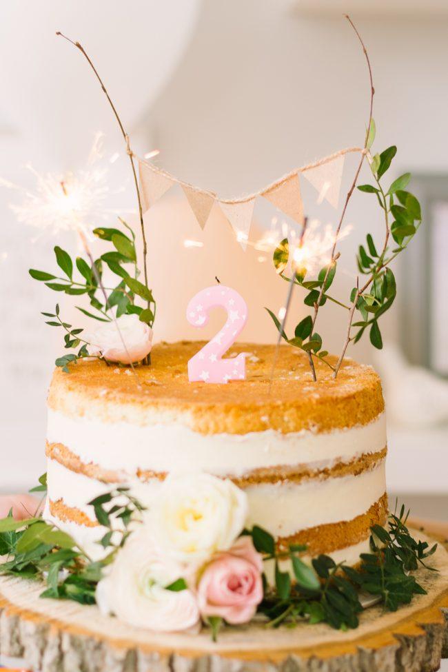 um-doce-dia-decoracao-festa-aniversario-meninas-como-um-bosque-em-um-conto-de-fadas-15