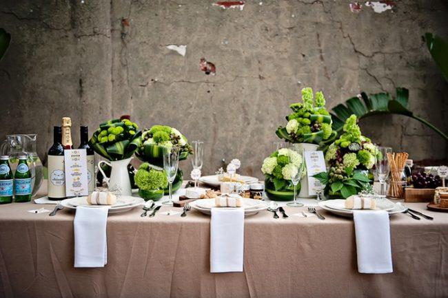 um-doce-dia-decoracao-mesa-de-jantar-verde-vibrante-01