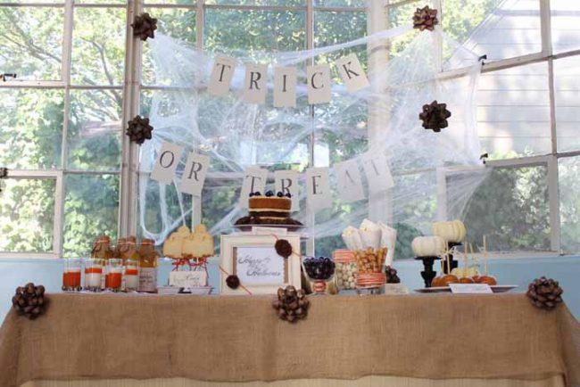 um-doce-dia-decoracao-mesa-de-sobremesas-halloween-rustico-01